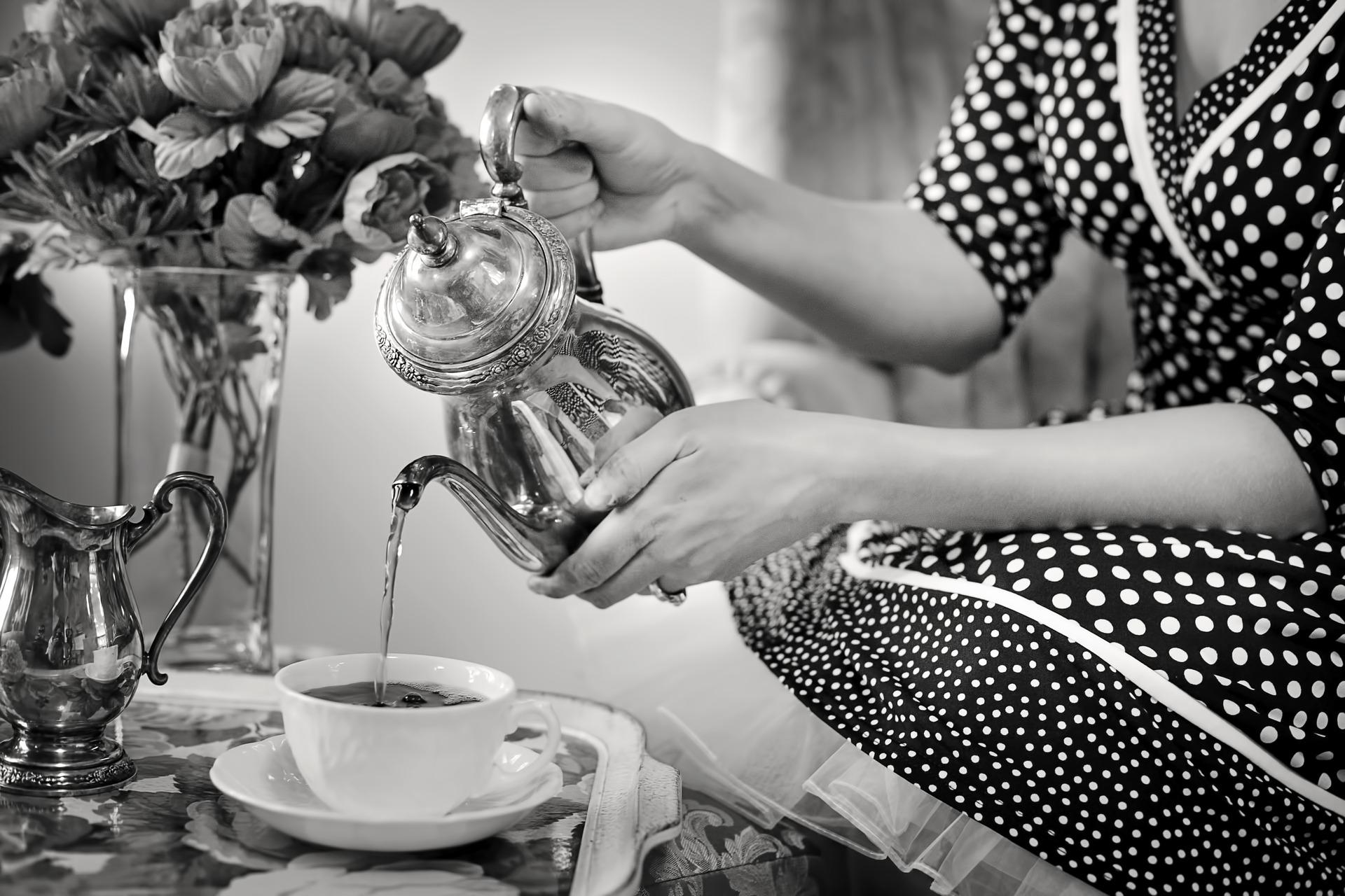 tea-party-1001654_1920.jpg
